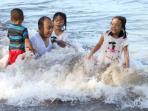 anyer-pantai-beach-banten_20150109_170029.jpg