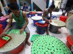 apem-berkah-produksi-25-ribu-kue-apem-setiap-hari_20201019_115620.jpg
