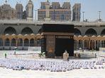 arab-saudi-hapus-aturan-jaga-jarak-di-masjidil-haram_20211018_162152.jpg