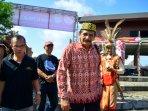 arak-arakan-display-budaya-warga-dayak_20150522_163824.jpg