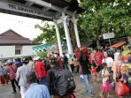 arus-balik-di-pelabuhan-dwikora-pontianak_20150729_231350.jpg