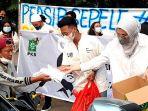 Gus AMI Peduli, Arzeti Bilbina Bersama Anak Milenial Bertato Iftar Bagi-Bagi Takjil
