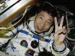 astronot-china-nih2_20161205_191201.jpg