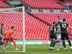 HASIL FINAL Carabao Cup - Gol Tunggal Laporte Bawa Manchester City Buka Puasa Gelar Perdana