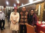Buktikan Kecintaannya Pada Tenun NTT, Ayu Azhari Siap Jadi Duta Budaya