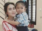 Ketika Anak Semata Wayang Ayu Ting Ting Membayangkan Adit Jayusman Jadi Ayahnya