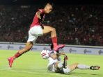 bali-united-vs-persita-tangerang-di-laga-liga-1-idonesia_20200302_094342.jpg