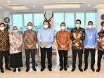 bambang-soesatyo-saat-menerima-audiensi-pengurus-asosiasi-penjualan-langsung-indonesia-apli.jpg