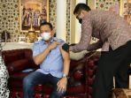 Ketua MPR RI Bamsoet Disuntik Vaksinasi Covid-19