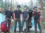 band-the-changcuters-naik-gunung-ciremai-majalengka_20160807_185408.jpg