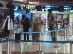 bandara-soekarno-hatta-lenggang-jelang-larangan-mudik-lebaran_20210505_213251.jpg