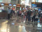 bandara-soetta-padat-calon-penumpang-liburan-nataru_20201218_071757.jpg