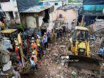 bangunan-yang-runtuh-setelah-hujan-lebat-di-mumbai-india.jpg