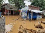 banjir-bandang-menerjang-lima-kecamatan-di-kabupaten-lebak-banten-rabu-112020.jpg