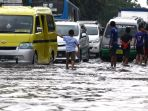 banjir-cileuncang-di-jalan-kopo-citarip_20190315_191626.jpg