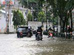 banjir-di-jalan-taman-tawang-kawasan-kota-lama_20210224_110043.jpg