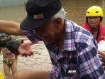 banjir-di-kawasan-cipinang-melayu-makasar_20170219_175537.jpg