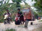 banjir-grobogan-rendam-ratusan-rumah-dan-sawah_20161010_210827.jpg