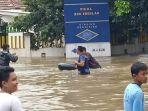 banjir-lagi-nih-bikin-peer-aja.jpg