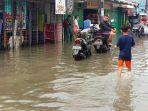 banjir-merendam-di-kawasan-rawa-buaya_20210216_220518.jpg