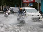 Akses Jalan Utama Tambun Utara Lumpuh Terendam Banjir Akibat Luapan Kali Bekasi