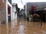 banjir-rendam-rumah-warga-di-cipinang-melayu_20200208_185017.jpg
