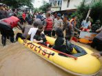 banjir-rendam-sejumlah-kawasan-di-jakarta-timur_20200101_210234.jpg