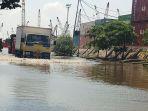 banjir-rob-di-pelabuhan-sunda-kelapa-jakarta_20210527_203406.jpg