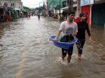 banjir-setinggi-15-meter-genangi-kampung-makasar_20200102_063947.jpg