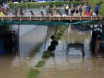 banjir-underpass-senen_20200225_182302.jpg