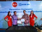 bank-bri-dan-airasia_20160527_164031.jpg