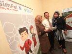 bank-syariah-bukopin-gandeng-20-sekolah-di-bandung_20151217_155308.jpg