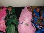 bayi-kembar-empat-yang-lahir-di-desa-benteng-lompoe-kecamatan-sabbangparu-kabupaten-wajo_20180820_121524.jpg