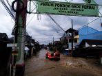 baznas-bantu-korban-banjir-cipinang-dan-pondok-gede_20210219_195403.jpg