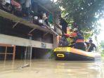 baznas-bantu-korban-banjir-cipinang-dan-pondok-gede_20210219_195552.jpg
