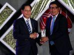 bca-peroleh-penghargaan-lifetime-achievement_20190815_220729.jpg