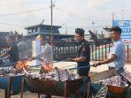 bea-cukai-membakar-barang-ilegal-hasil-penindakan-di-berbagai-daerah.jpg