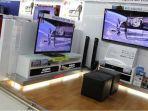 beberapa-display-tv-layar-datar-di-sebuah-hypermart-di-jakarta.jpg
