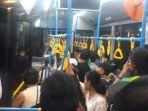 beberapa-shuttle-bus-terlihat-penuh-oleh-penonton_20181011_201320.jpg