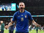 bek-italia-leonardo-bonucci-merayakan-kemenangan-atas-spanyol.jpg