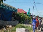 bendera-hijau-berkibar-di-depan-rumah-duka_20180712_124337.jpg