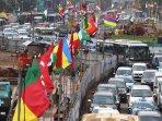 bendera-negara-peserta-ktt-asia-afrika-mulai-terpasang_20150415_150032.jpg