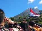 bendera-selebar-6x9-meter-berdiri-gagah-di-kaki-gunung-merapi_20180816_212033.jpg