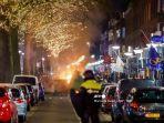 Protes Anti-lockdown di Belanda Berakhir Ricuh, Pengunjuk Rasa Terlibat Bentrok dengan Polisi