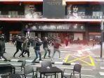 bentrok-supporter-barcelona-dan-valencia.jpg
