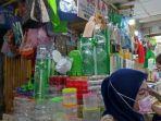 Kini Masyarakat Ramai Berburu Toples Kue Lebaran di Pasar Jatinegara