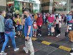 Gempa Terasa di Surabaya, Pengunjung MalRoyalPlaza Berhamburan ke Luar Gedung
