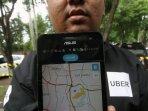berjejal-untuk-mendaftar-menjadi-pengemudi-uber-motor_20160525_010822.jpg