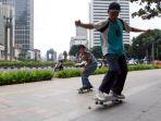Anies dan Ariza Beda Pernyataan Soal Main Skateboard di Trotoar, Bagaimana Aturannya?