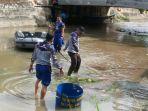 bersih-sungai-rangkui-hut-ke-66-polair_20161125_145748.jpg